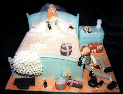 cute wedding cake shaped bed pict