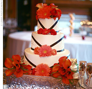 wedding cakes gerbera daisies