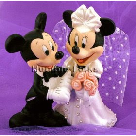mickey mouse wedding on wedding cake