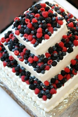 Wedding Cakes With  Fruit Acecories