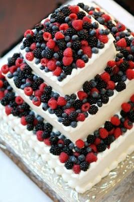 Wedding Cakes With  Fruit Acecories