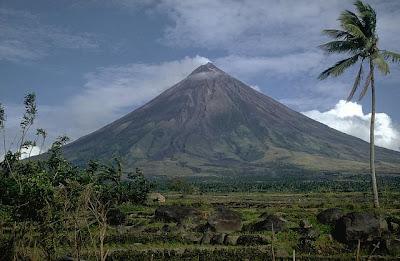 Bulkan Mayon: Noon at Ngayon