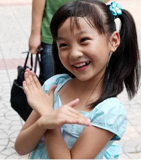 Seorang Anak Perempuan di China Tertawa Selama 12 Tahun gak bisa berenti