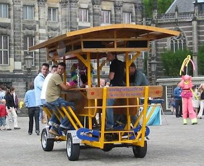 Vélo et autres véhicules à propulsion humaine - Page 2 Drinking-mobile-bar-0