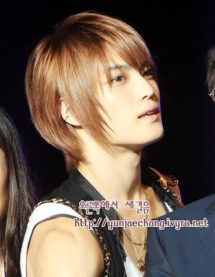 http://3.bp.blogspot.com/_hBv0I8vGiaU/TDMC2Yyo_tI/AAAAAAAABNI/zy0RLOirb9U/s1600/hero_korea_tvxq.jpg