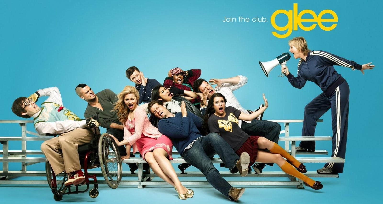 http://3.bp.blogspot.com/_hDFwSCWSkEc/TJn8EUDKFbI/AAAAAAAAAeQ/BT-vyQJVdVk/s1600/Glee+285.jpg