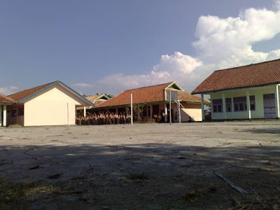 lapang volly ball, bola basket SMP 1 Dawuan, kabupaten Majalengka