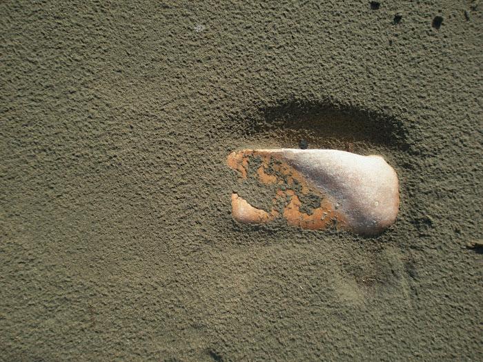 το Ελαχιστο  φιλει  κρυπτεται [ Παραφραση  σε αποσπασμα του Ηρακλειτου ] Βαρκα Αστακος Ακαρνανια