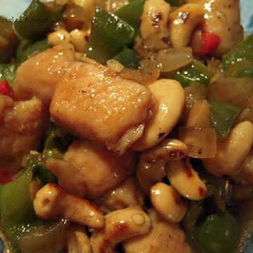 Kurczak stir fry z nerkowcami - Czytaj więcej »