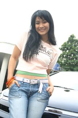 Happy Salma Sexy