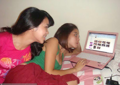 Laptop - Laudya Chintya Bella