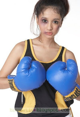 Boxing Girl Game - Laudya Cinthya Bella