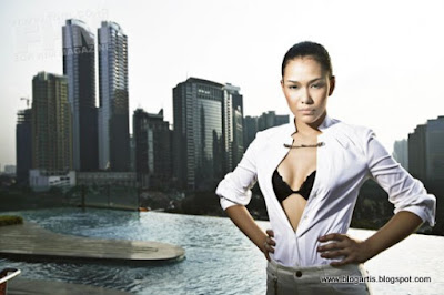 gambar sexy Adinia Wirasti