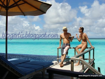Sinclair Bikini Honeymoon Photos ~ BlogArtis: Foto Artis Indonesia