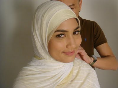 Fasha Sandha bertudung