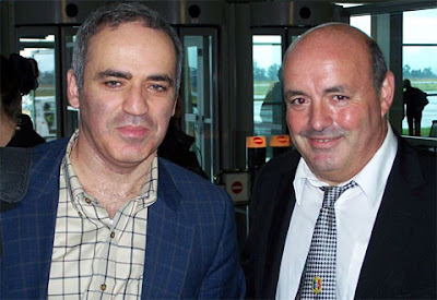 Garry Kasparov et Léo Battesti - photo des organisateurs