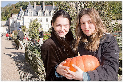 Alexandra Kosteniuk et Almira Skripchenko au château de Villandry