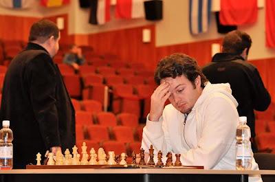 Etienne Bacrot face à l'ukrainien Ruslan Ponomariov © Site Officiel