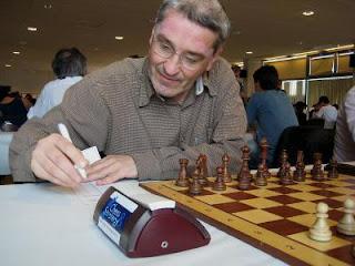 Echecs à Dieppe : le grand-maître Igor Rausis (2466)