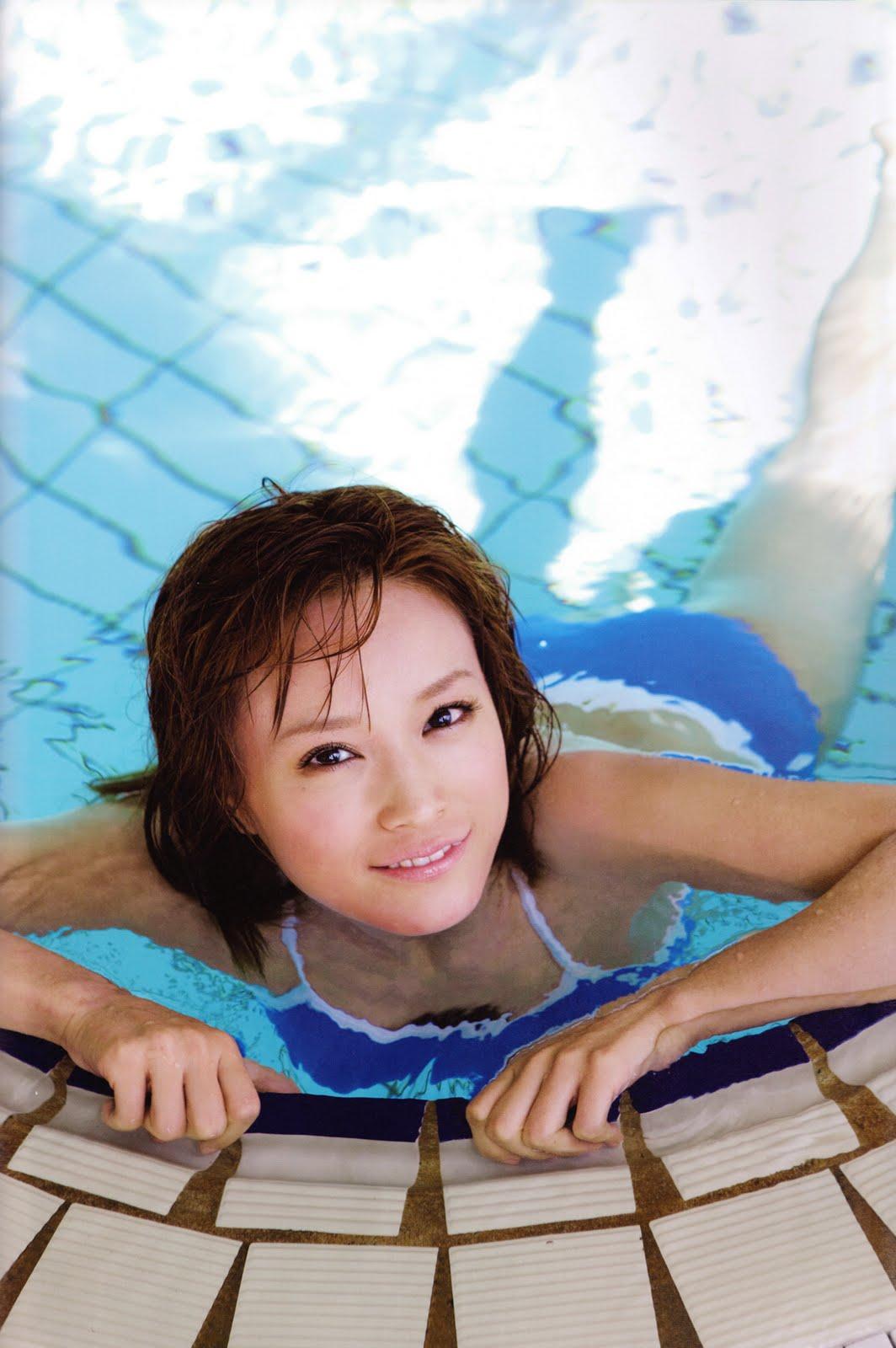http://3.bp.blogspot.com/_hJVox6-vy_4/TR6nsZN97KI/AAAAAAAADnc/QCCrshhKuKM/s1600/Kamei%2BEri%2Bin%2Bgym%2Band%2Bswimming%2Bpool09.jpg