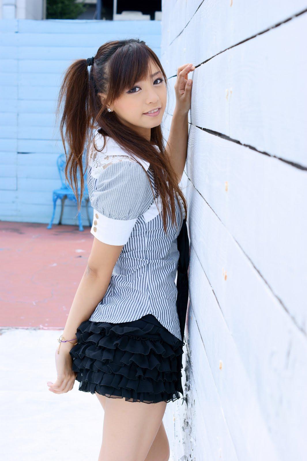 Зрелая азиатка с длинными волосами36