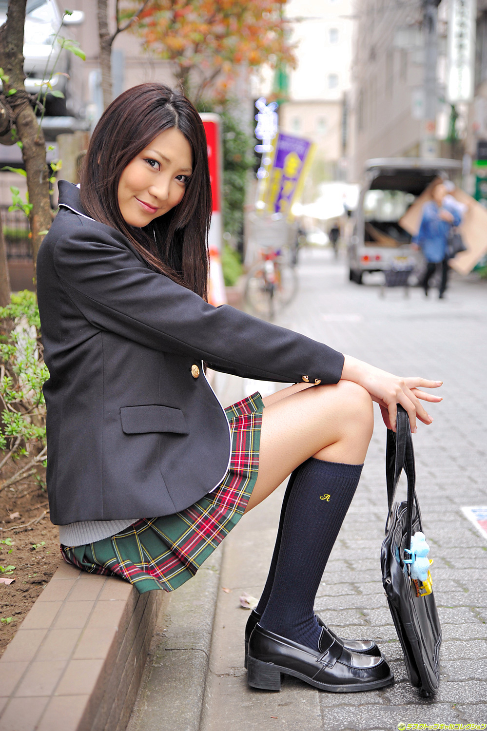 sakai girls I want to bullying a cheeky school girls  momoka sakai.