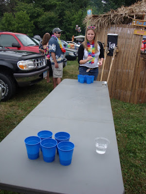 Jimmy buffett concert beer pong alpine valley wi 2008 - Beer pong table triangle dimensions ...