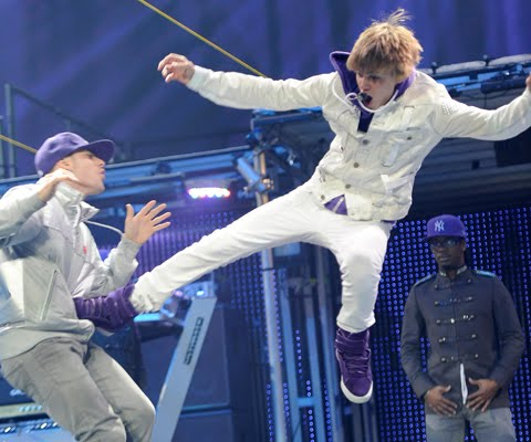 On The Teen Beat Justin Bieber Rocks Madison Square Garden August 31st
