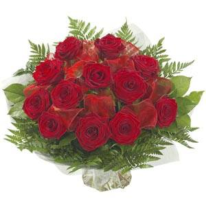 [buchet-1-martie-trandafiri-rosii(1).jpg.g]