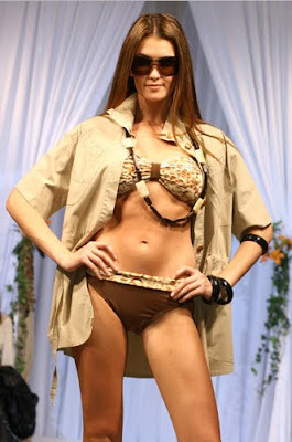 desfile de lenceria lenceria transparente lenceria fina lenceria femenina  que bikinis se usan en la playa