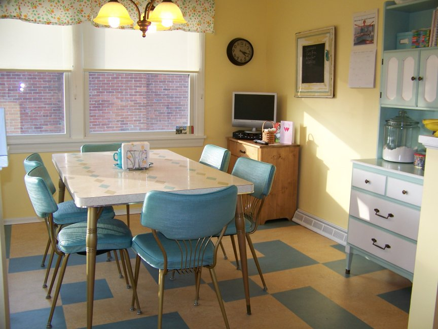 Hugs and keepsakes vintage retro kitchen re do - Table cuisine retro ...