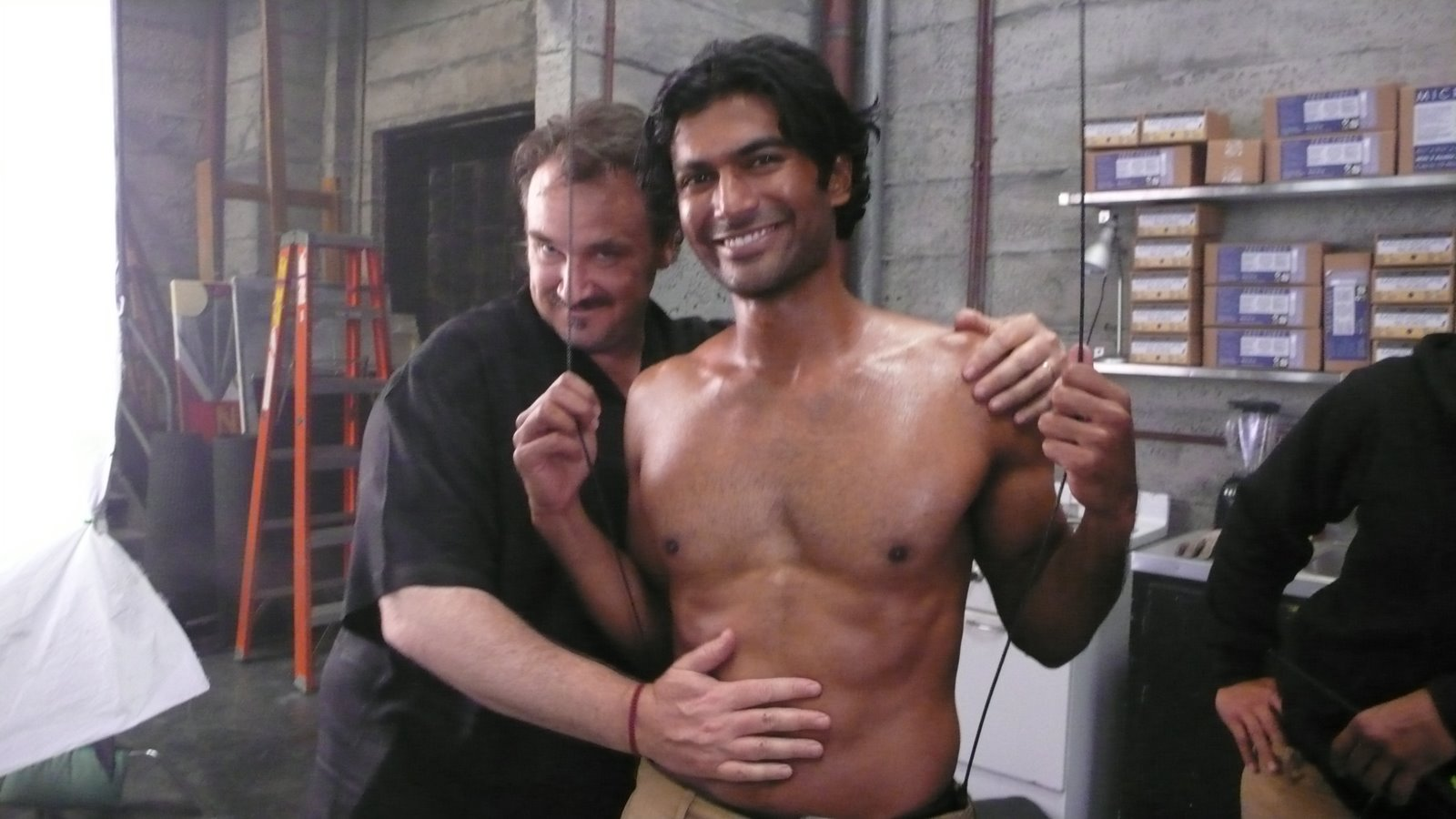 [ep+2+always+looking+out+for+the+fans+-+I+apply+a+light+glaze+of+oil+to+Sendhil's+body]