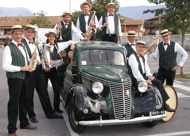 Chardonnay Dixie Band