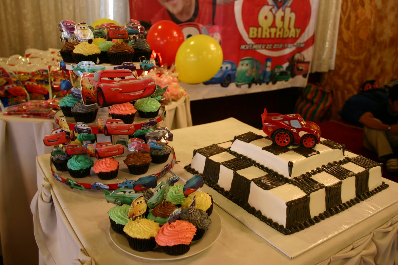 personalized disney cars cakes and cupcakes title=
