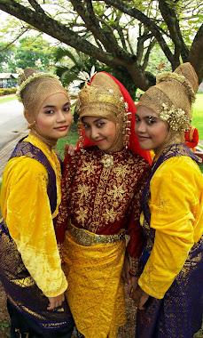 Gadis Aceh