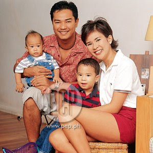 Ariel Rivera + Gelli de Belen Family