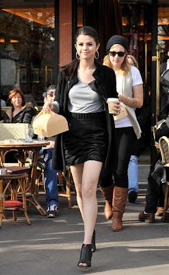 http://3.bp.blogspot.com/_hP-i-5lPqoU/TTWG3RQ2abI/AAAAAAAAADE/iThDSZCIqfo/s1600/7d5b25c7a5ce6e89_Selena_Gomez_Fashion_Style_2.jpg