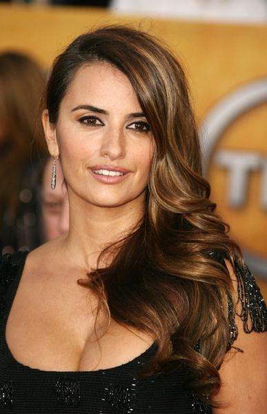 Penelope Cruz Hair, Long Hairstyle 2013, Hairstyle 2013, New Long Hairstyle 2013, Celebrity Long Romance Hairstyles 2273
