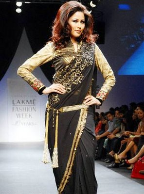 http://3.bp.blogspot.com/_hSG9C-DmKV4/TUf4LOnQRkI/AAAAAAAAABg/k4O5E91XsMs/s1600/Black-Designer-Saree-Lakme-Fashion-week-2009.jpeg