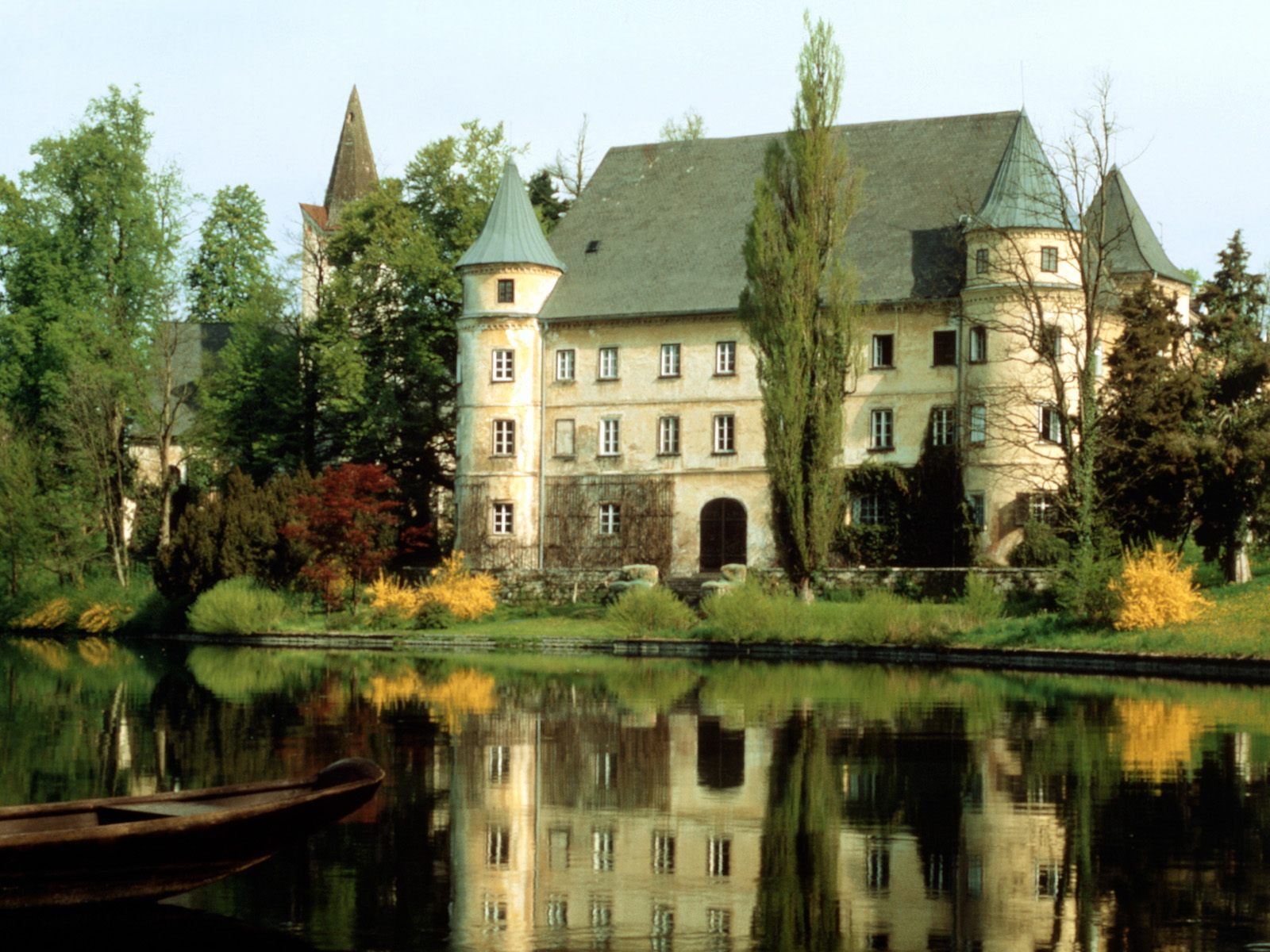 http://3.bp.blogspot.com/_hSpIx9LK9_g/S_DlY5kRoMI/AAAAAAAAAHQ/ygvJU8VI-IA/s1600/Hagenau-Castle-Austria.jpg