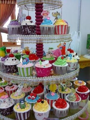 cup cakes buat ulang tahun anak anak dengan berbagai topping pemesanan ...