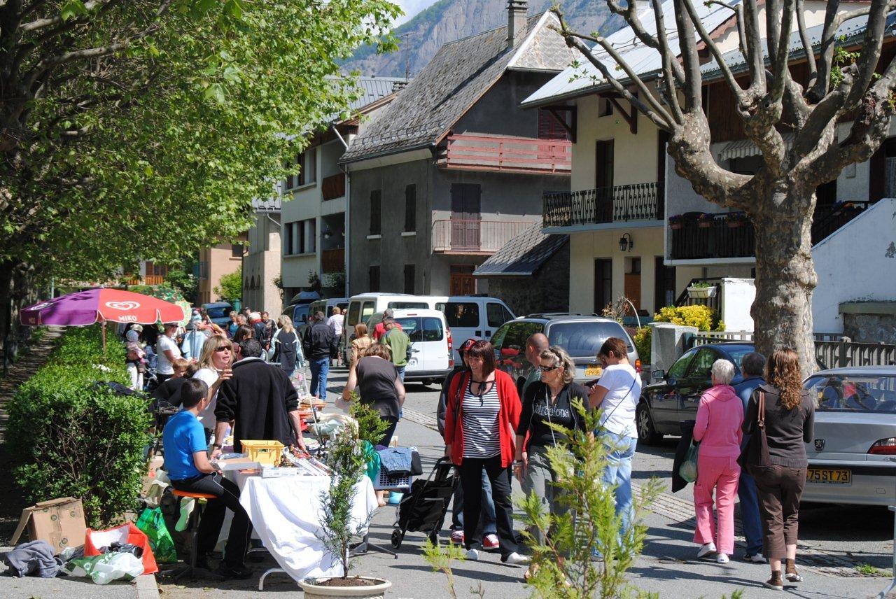 News de l 39 office de tourisme bourg d 39 oisans vide grenier de l 39 office de tourisme - Bourg d oisans office tourisme ...