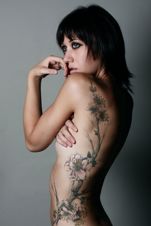 This is the flower rib tattoo sexy women's content: sexy women tattoo
