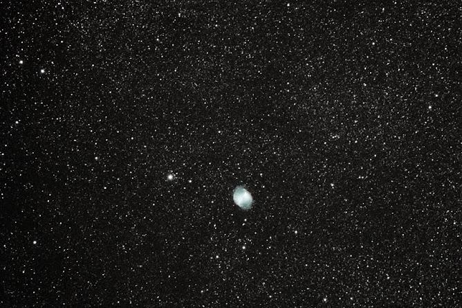 Nebulosa M27 en la constelación de Vulpecula