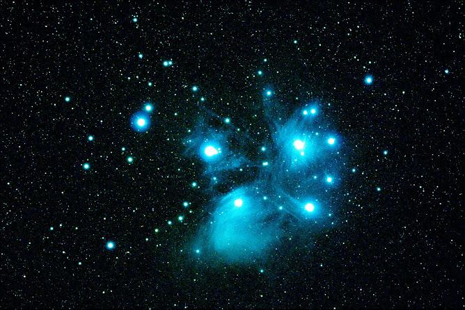 Las Pléyades en Tauro. Cúmulo estelar abierto M45