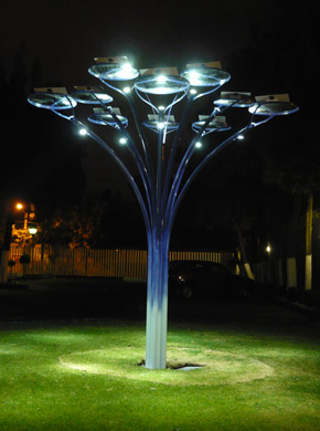 Muy buenas nuevas un rbol que ilumina con energ a solar for Iluminacion para arboles