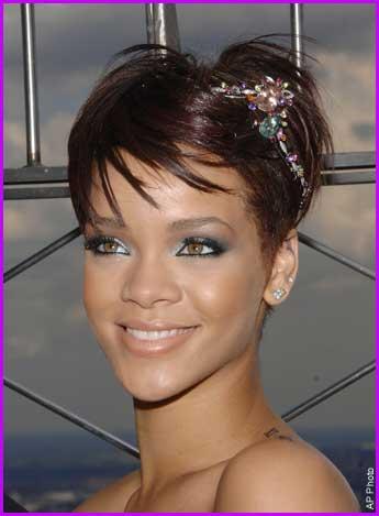 rihanna hair 2009. Rihanna Short Hair 2009