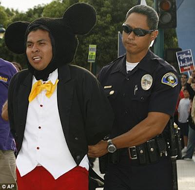 Mickey arrêté