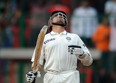 Sachin Tendulkar crosses 14000 runs in Test Cricket