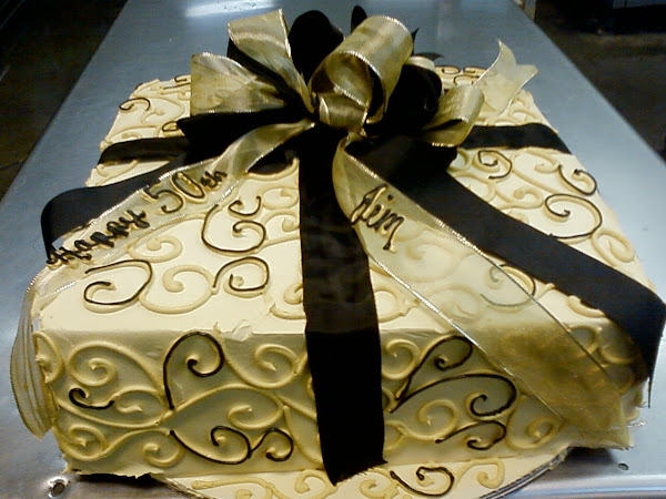 Golden_50th_Birthday_Cake326.jpg